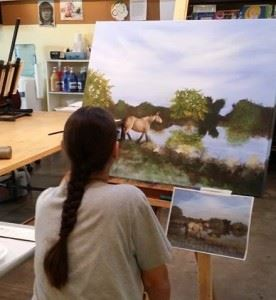 janet painting her horse